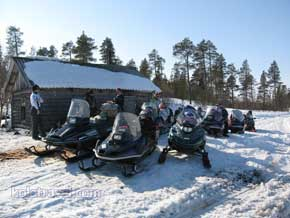 kolatravel snowmobile safaris kola peninsula Saami village Krasnoschelye