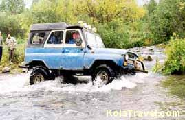 kolatravel 4wd 4x4 four wheel drive autovakanties arctische trophy atv awd cross-country army bus toers polar off-road Avonturen jeep expedities Kola Schiereiland Russisch lapland NoordwestruslandMoermansk oblast regio trip trips white wild nature adrenaline extreme baltic barents sea driving cultuur expeditie Avontuur rally