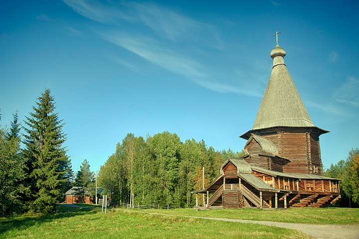 malye korely arkhangelsk city excursion dvina river bank museum russia